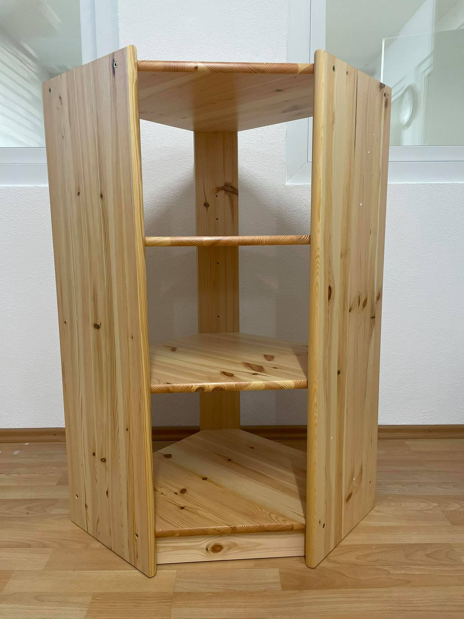 Dreieckiges Standregal in Holzoptik Ausstellungsstück