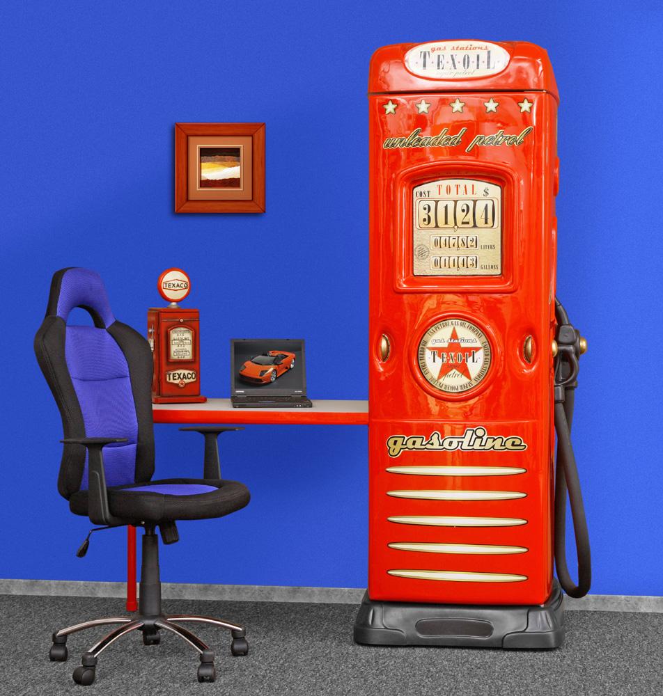 Tankstellen Kleiderschrank in Rot mit Schreibtisch