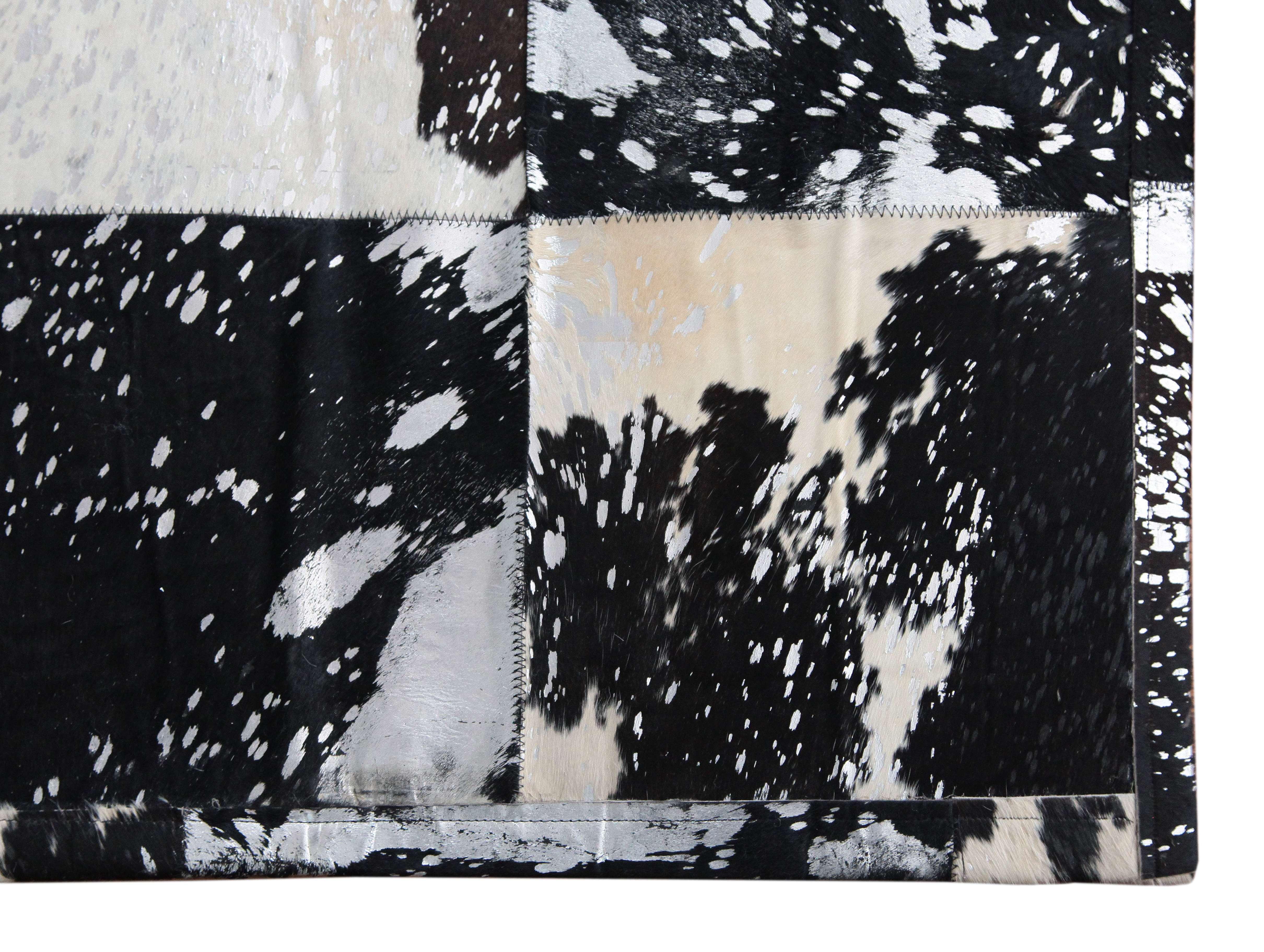 Kuhfell Teppich Minor mit silber-schwarzer Färbung