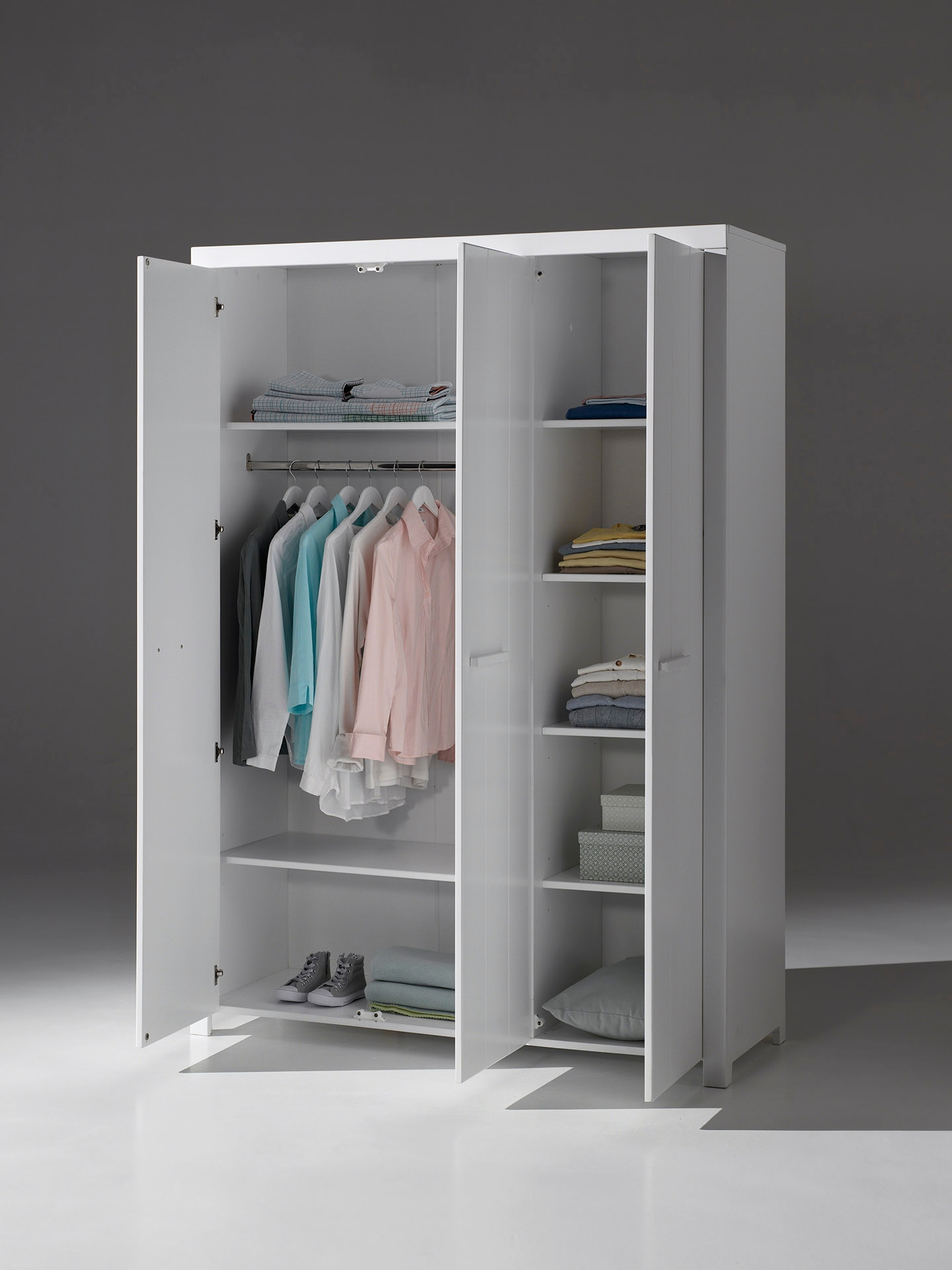 Richard Kleiderschrank mit drei Türen Weiß