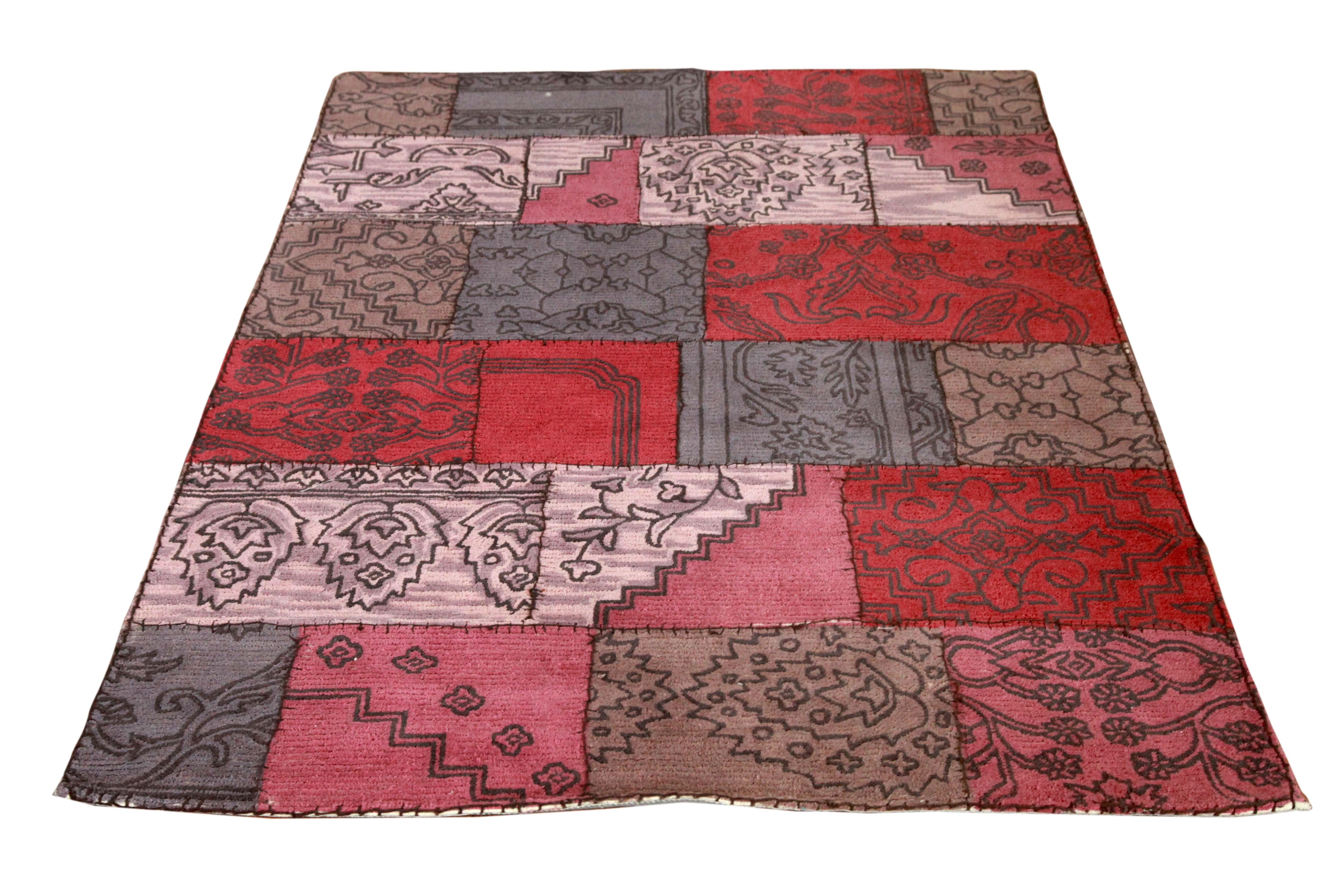 Teppich Pink Minor aus Wolle mit schwarzem Dekor