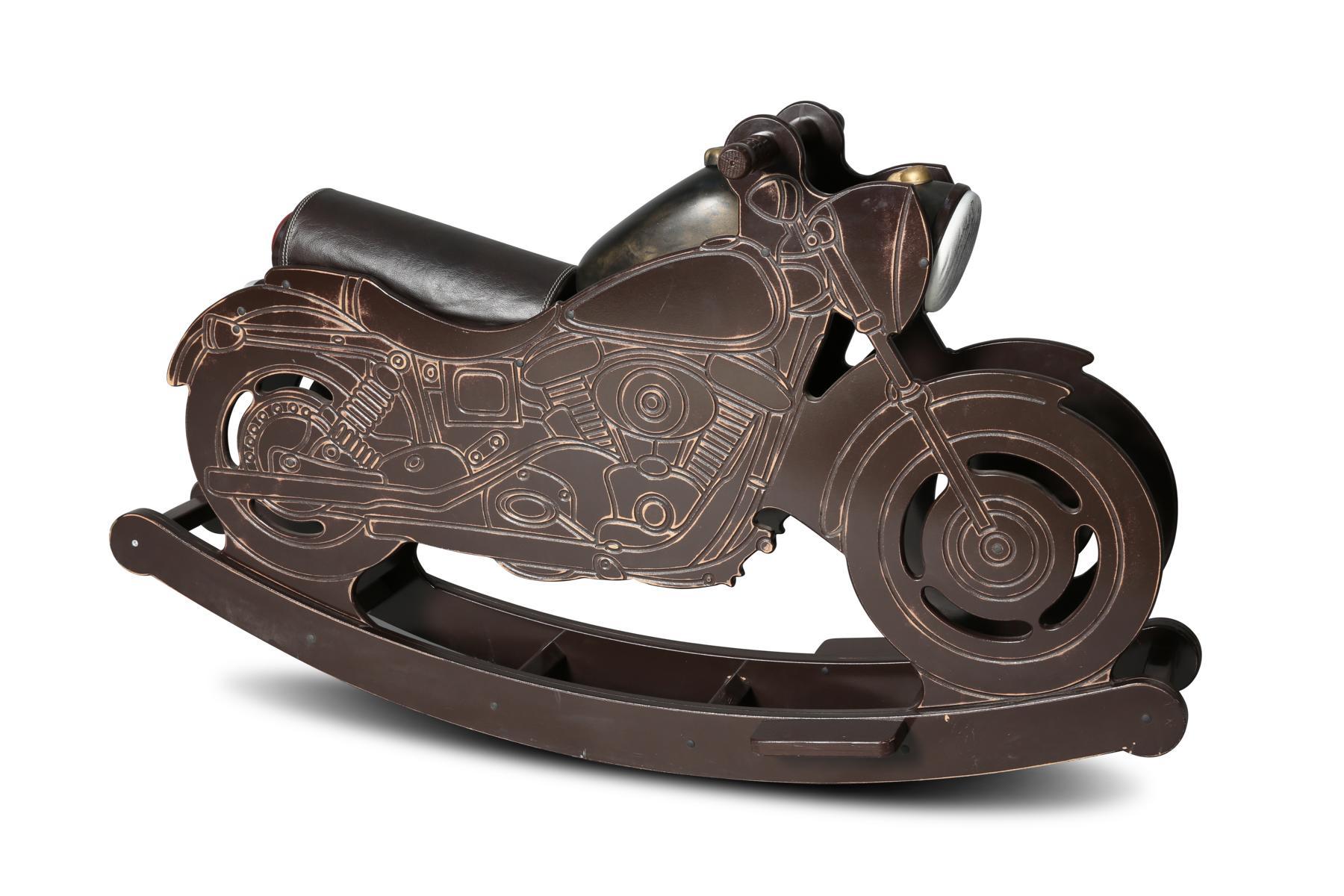 Schaukelmotorrad in Braun in coolem Design