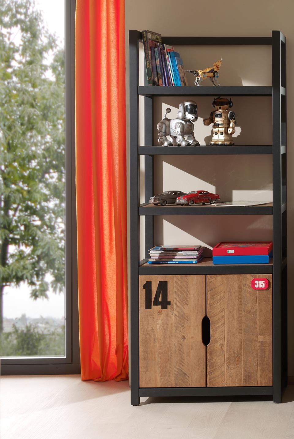 Stauraumregal mit Türen Alex aus Massivholz
